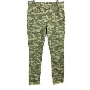 Old Navy   Rockstar Camo Frayed Denim Jeans Sz 10